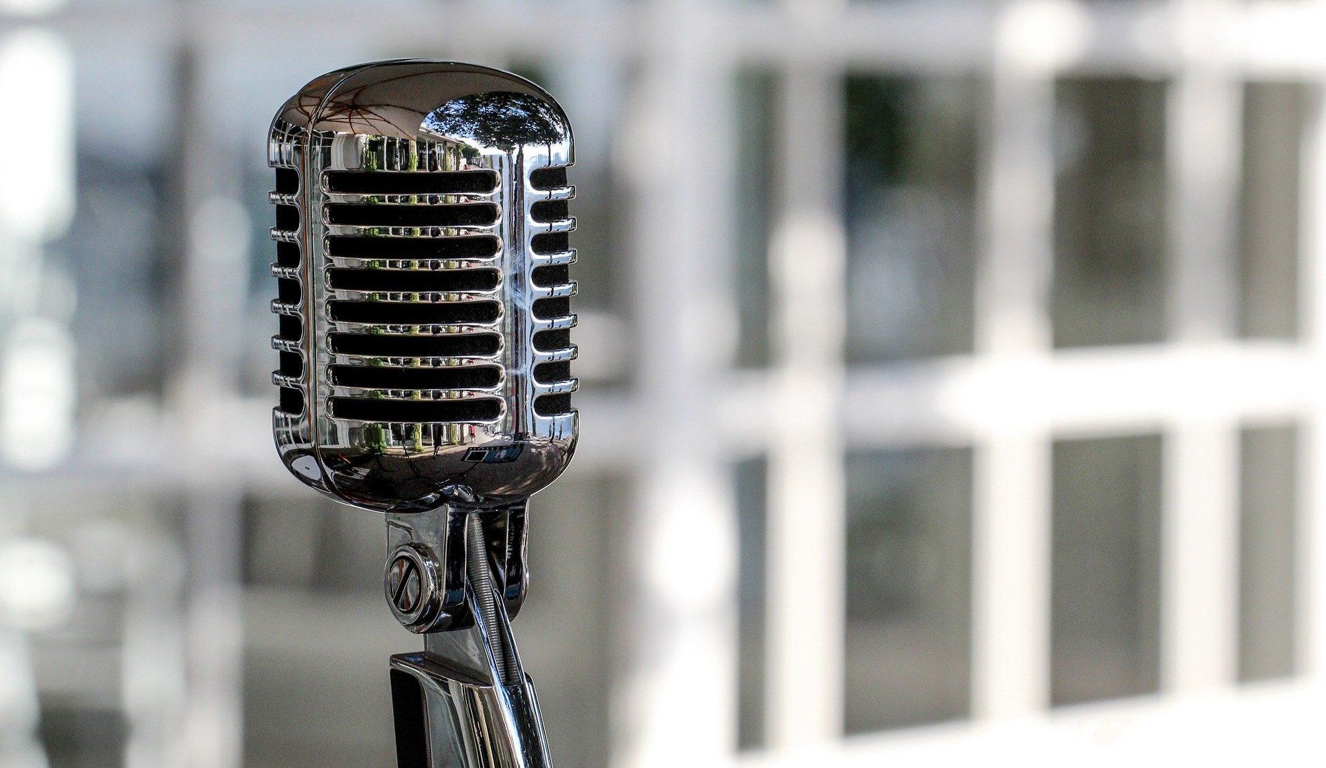 microphone-5340340_1920